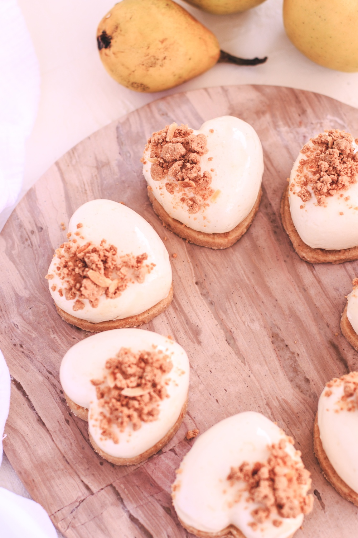 Pěnové dortíky s karamelizovanými jablky